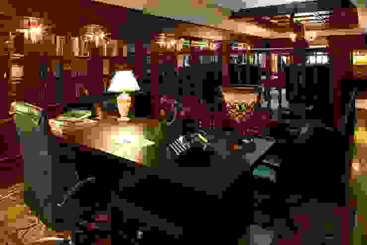 Частная библиотека Рабочий кабинет в классическом стиле от Архитектурно-дизайнерская студия 'Арт Диалог' Классический