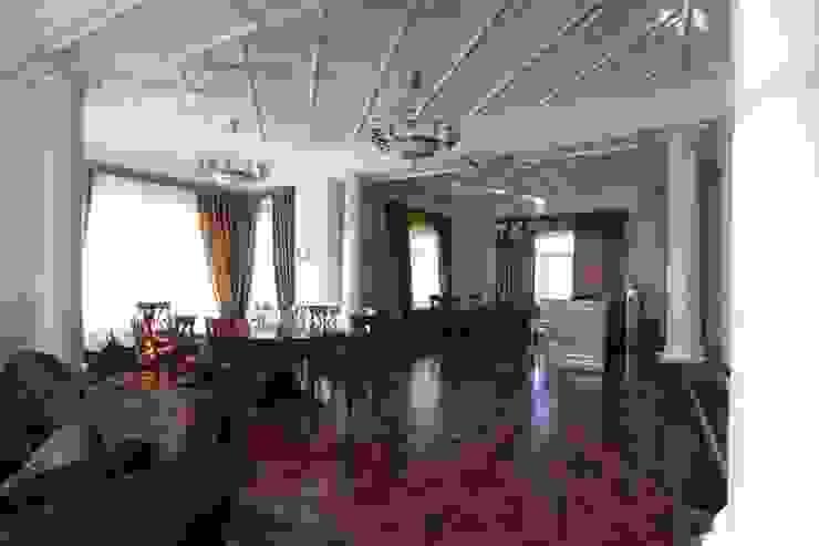 Коттедж в п. Шувакиш Столовая комната в классическом стиле от Архитектурно-дизайнерская студия 'Арт Диалог' Классический