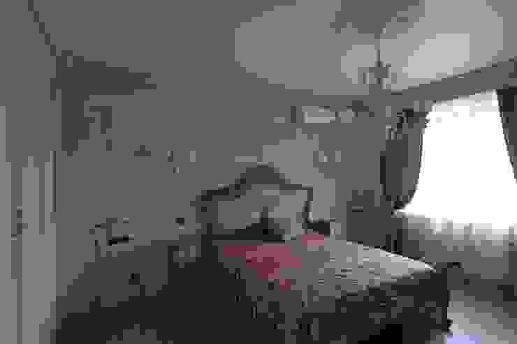 Коттедж в п. Шувакиш Спальня в классическом стиле от Архитектурно-дизайнерская студия 'Арт Диалог' Классический