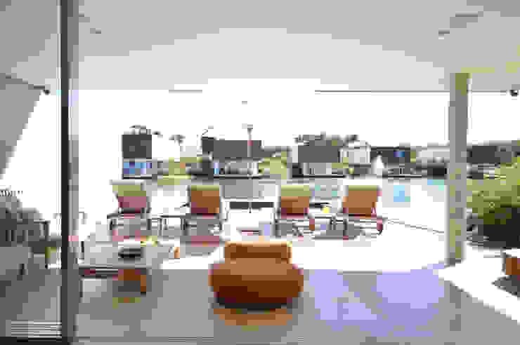 Terrace by 2L Arquitetura