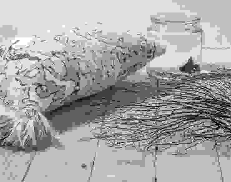 Fringe N°4 - Black & White van Roos Soetekouw Design Eclectisch