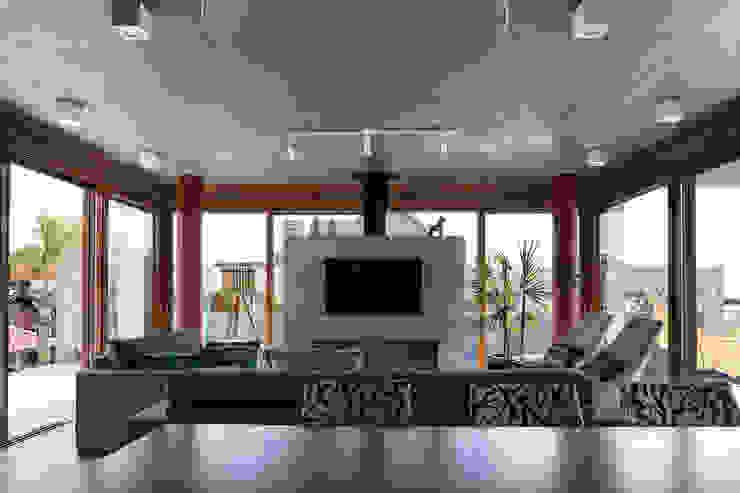 Casa Beira Mar - Seferin Arquitetura Salas de estar modernas por Seferin Arquitetura Moderno