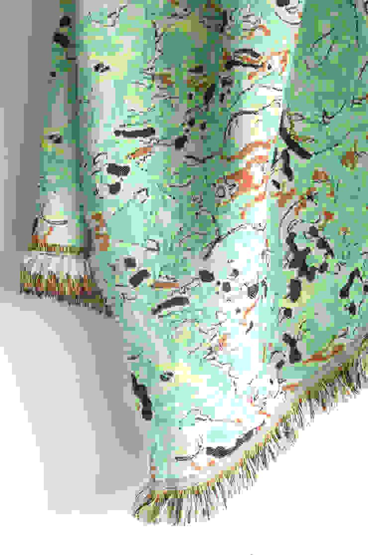Fringe Plaid N°1 - Fun Green van Roos Soetekouw Design Eclectisch