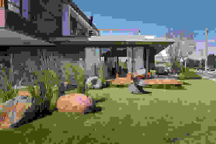 現代房屋設計點子、靈感 & 圖片 根據 Seferin Arquitetura 現代風