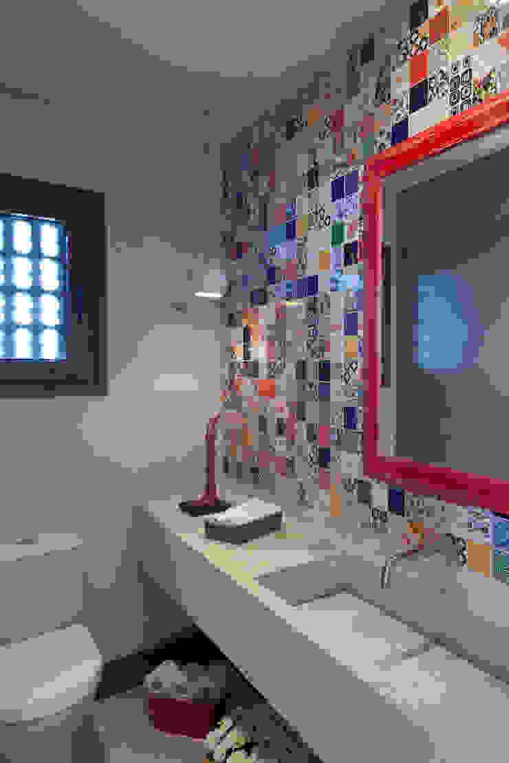 Casa Marítimo - Seferin Arquitetura Banheiros modernos por Seferin Arquitetura Moderno