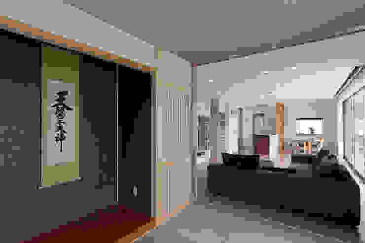 矢掛の家 オリジナルデザインの リビング の Design Labo LA Commu オリジナル