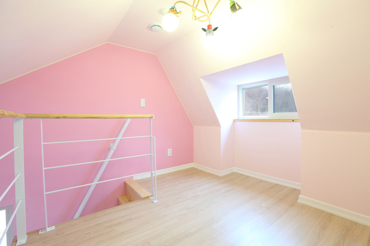 Nursery/kid's room by 주택설계전문 디자인그룹 홈스타일토토,
