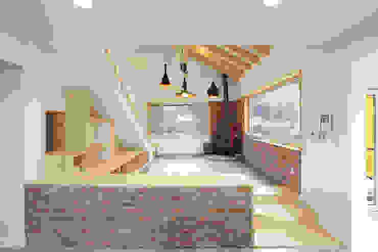 Living room by 주택설계전문 디자인그룹 홈스타일토토,