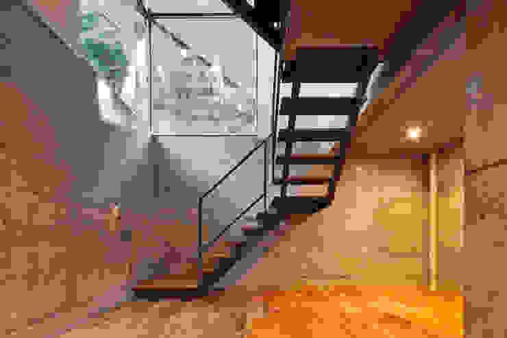 A/T オリジナルデザインの 多目的室 の トルク一級建築士事務所 オリジナル