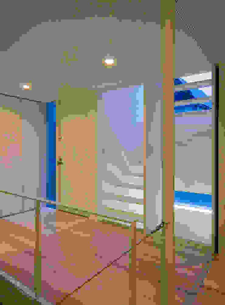株式会社 アーキショップ 一級建築士事務所 Moderner Flur, Diele & Treppenhaus