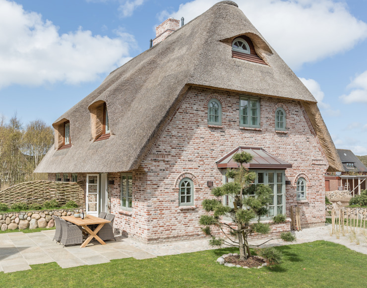 Country style houses by Home Staging Sylt GmbH Country