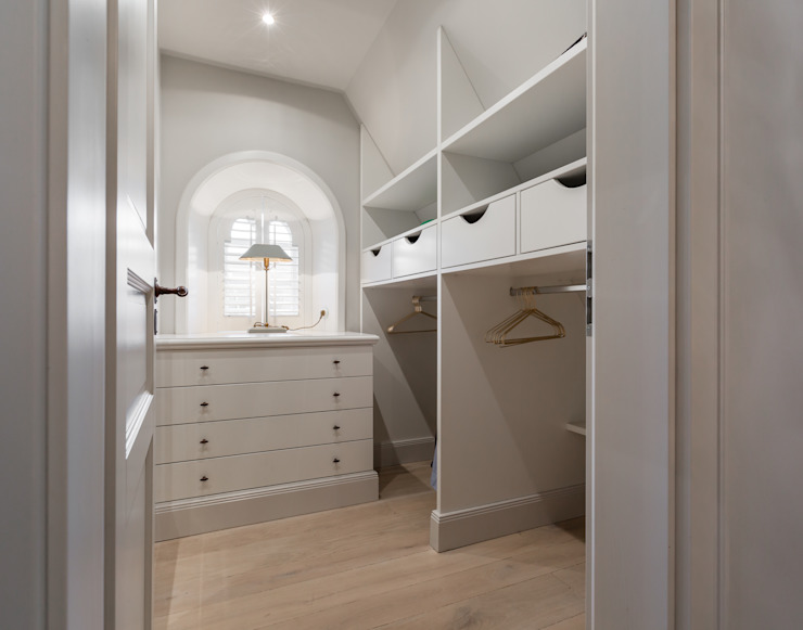 Country style dressing room by Home Staging Sylt GmbH Country