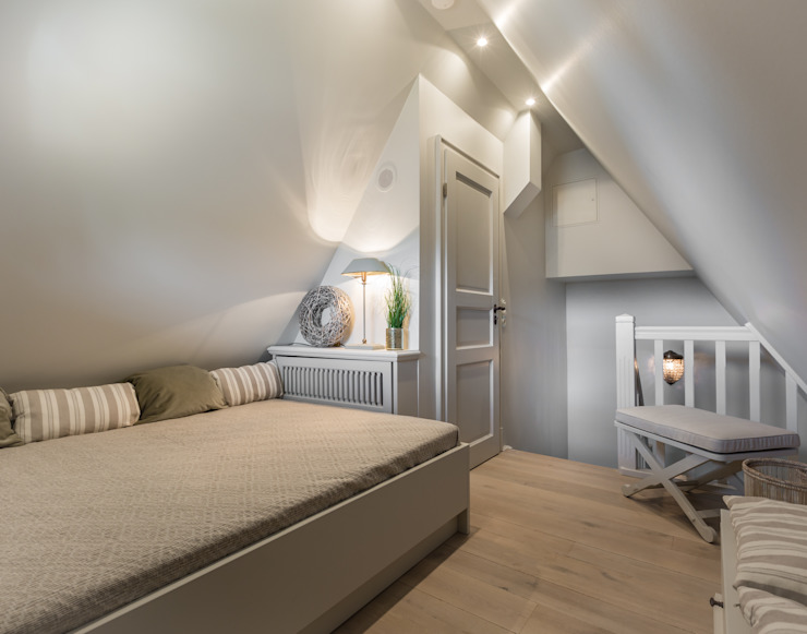 Country style bedroom by Home Staging Sylt GmbH Country
