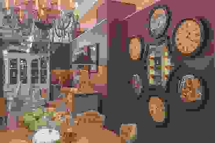 Салон мебели Сквирел Dialma Brown Столовая комната в классическом стиле от anydesign Классический