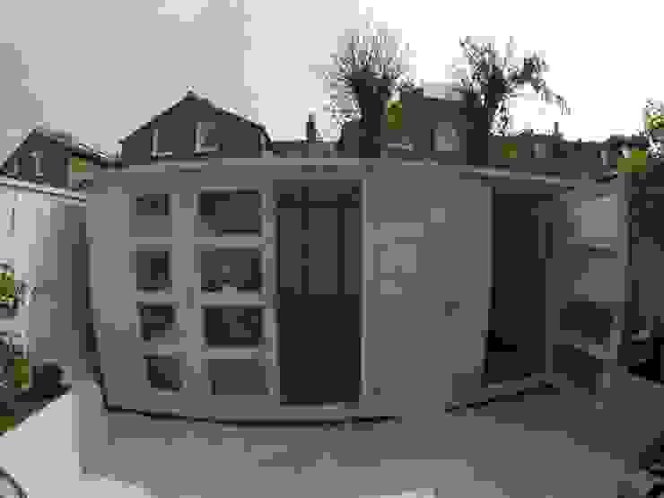 Domestic Garden Room Modern study/office by Modular105.co.uk Modern