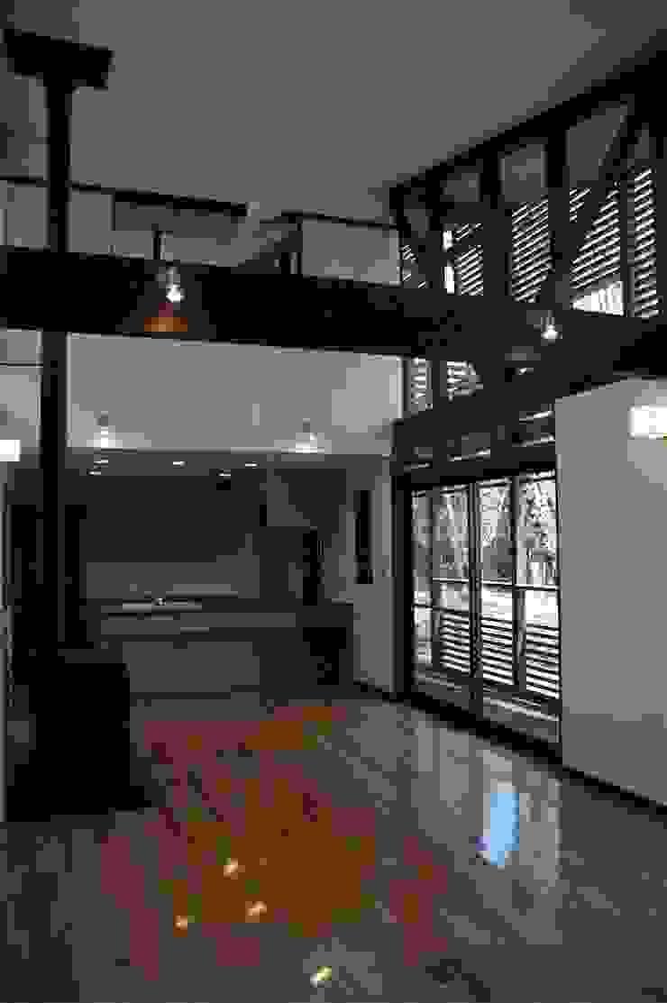 広間 オリジナルデザインの リビング の ばん設計小材事務所 オリジナル