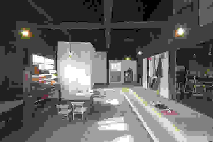 森の家 土間(after): 井上貴詞建築設計事務所が手掛けたクラシックです。,クラシック