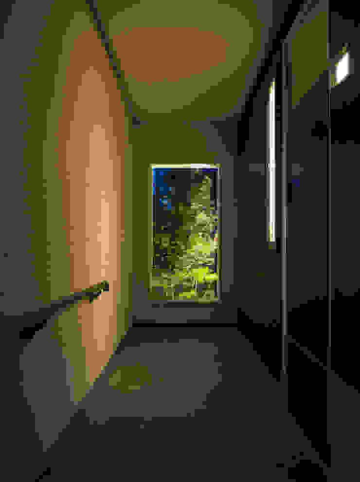 H-house「走り回る家」: Architect Show Co.,Ltdが手掛けた現代のです。,モダン