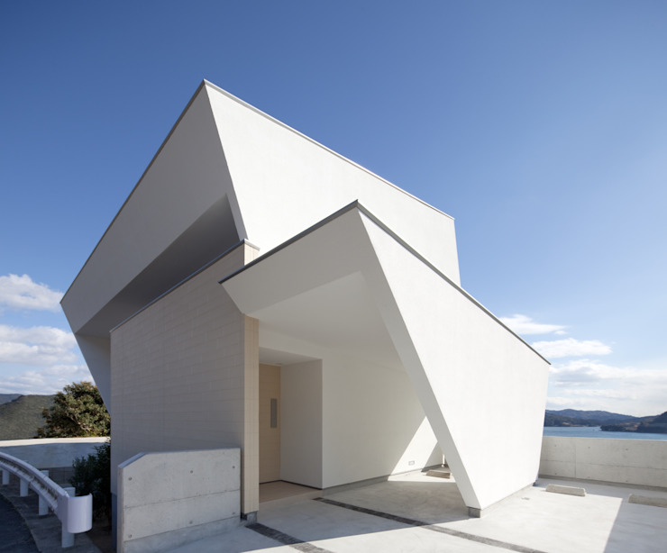 I-house 「水平線の家」: Architect Show Co.,Ltdが手掛けた現代のです。,モダン