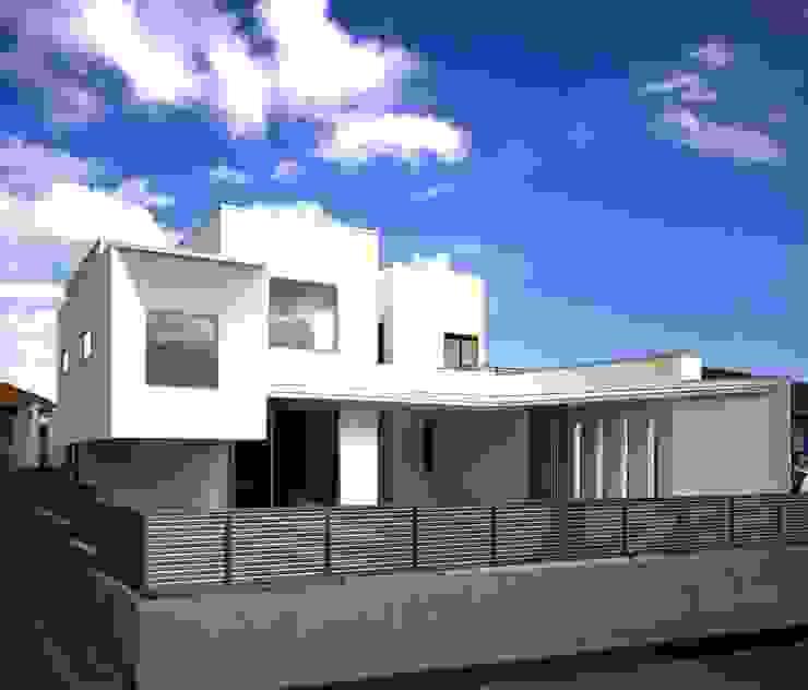 T3-house 「ステージのある家」: Architect Show Co.,Ltdが手掛けた現代のです。,モダン