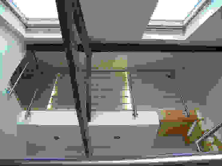 Vue intérieure du 2e étage par AB+ARCHI Moderne