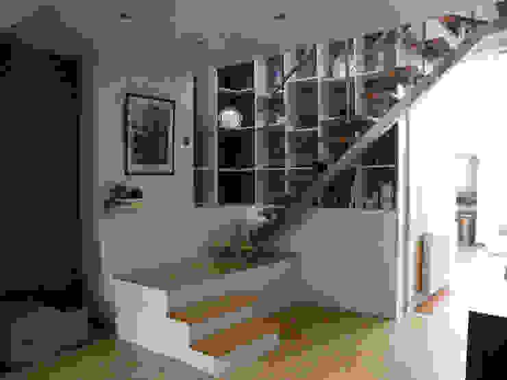 Escalier en séjour par AB+ARCHI Moderne