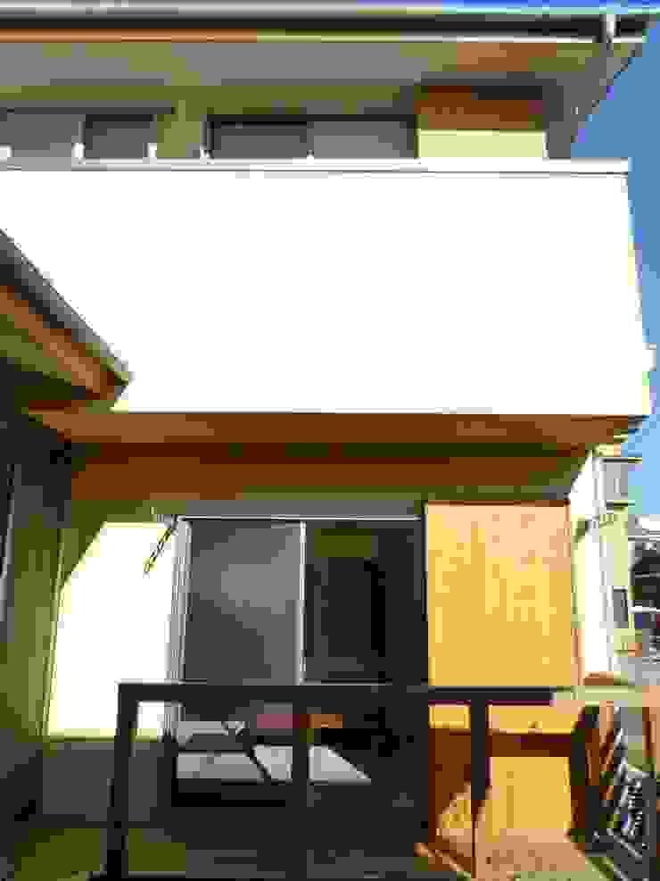 中庭 和風デザインの テラス の 石井設計事務所/Ishii Design Office 和風 木 木目調