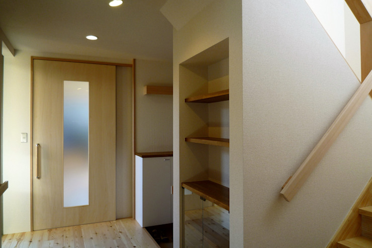 玄関 和風の 玄関&廊下&階段 の 石井設計事務所/Ishii Design Office 和風 木 木目調