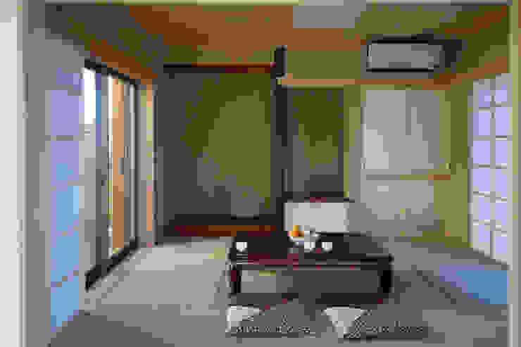 和室 和風の 寝室 の 石井設計事務所/Ishii Design Office 和風 木 木目調
