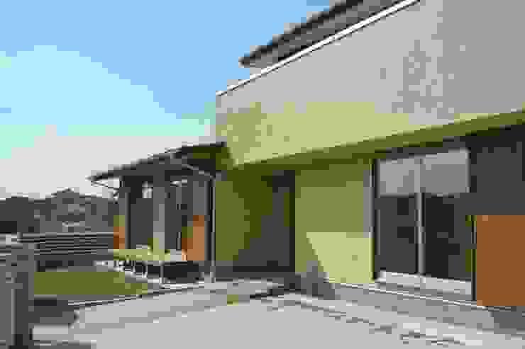 外観 の 石井設計事務所/Ishii Design Office 和風 木 木目調