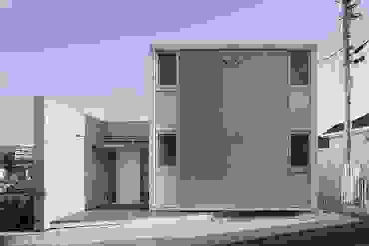 ファサード: オザワデザイン一級建築士事務所が手掛けたミニマリストです。,ミニマル