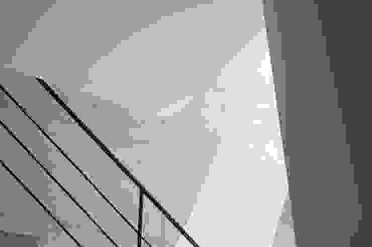 B1F(1): オザワデザイン一級建築士事務所が手掛けたミニマリストです。,ミニマル