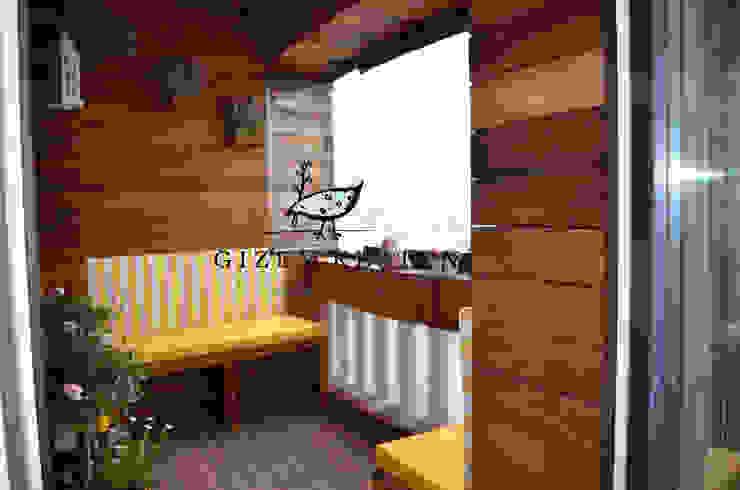 Balcones y terrazas de estilo moderno de Gizem Kesten Architecture / Mimarlik Moderno