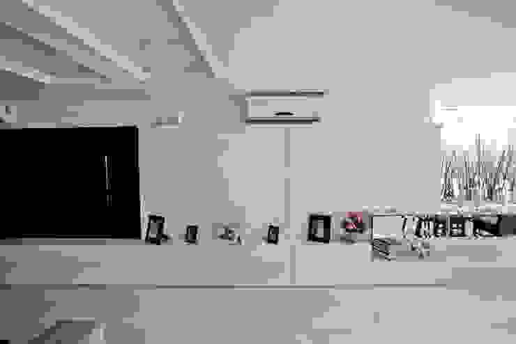 Apartamento E&E.S - Sala de Estar Salas de estar modernas por Kali Arquitetura Moderno
