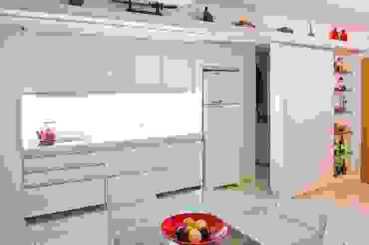 APP   Cozinha Cozinhas modernas por Kali Arquitetura Moderno