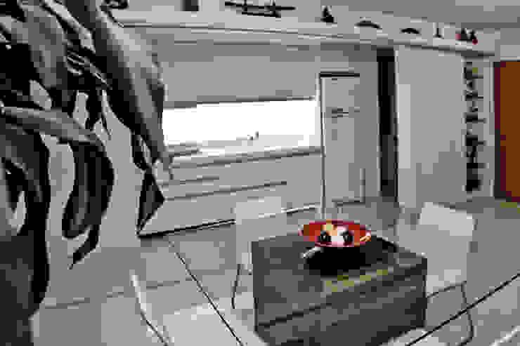 APP   Cozinha Salas de jantar modernas por Kali Arquitetura Moderno