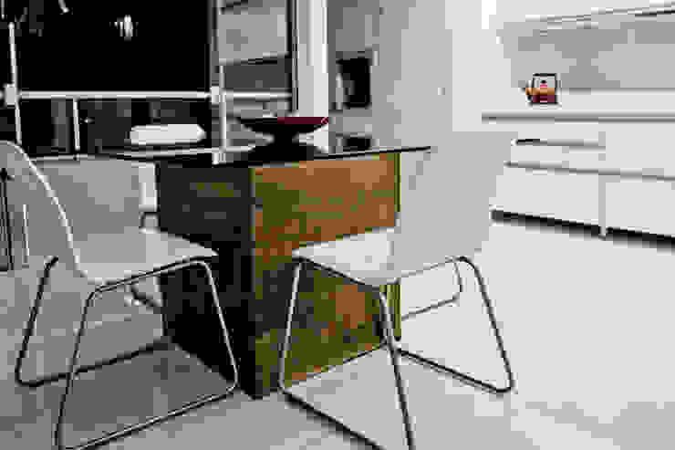 APP   Jantar Salas de jantar modernas por Kali Arquitetura Moderno