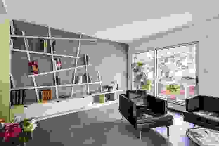 Woonkamer door Atelier d'Ersu & Blanco