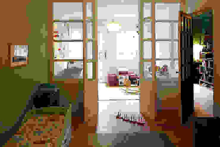 Chambre d'enfant vitrée Chambre d'enfant moderne par Capucine de Cointet architecte Moderne