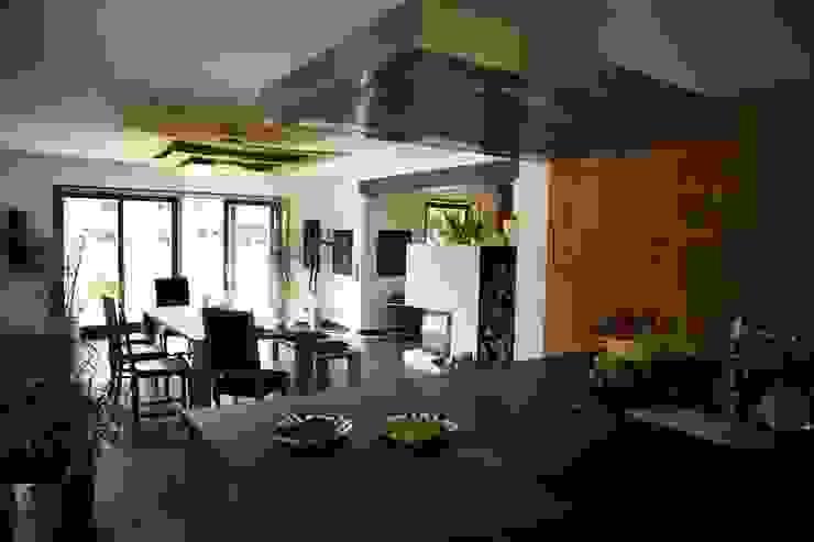 Umbau und Erweiterung eines Mehrfamilienhauses Architekturbüro Kirchmair + Meierhofer Moderne Esszimmer