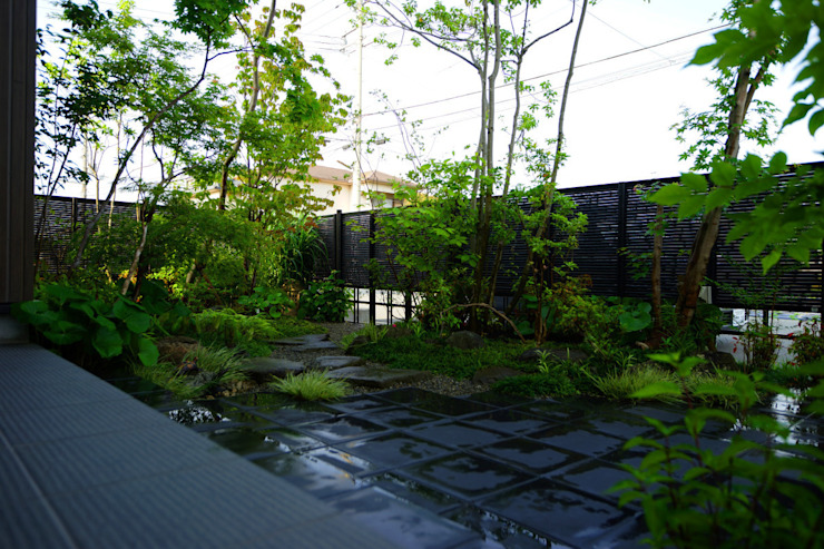 緑をくぐる出迎えの庭 2011~ オリジナルな 庭 の にわいろSTYLE オリジナル