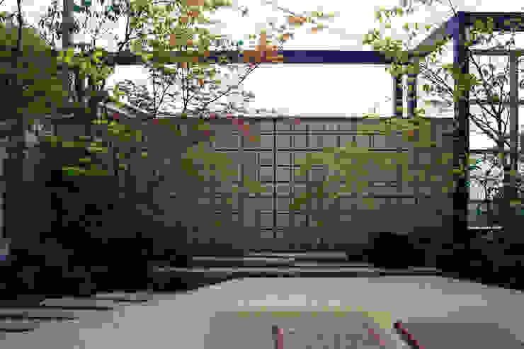 座してながめる団らんの庭 2011~ オリジナルな 庭 の にわいろSTYLE オリジナル