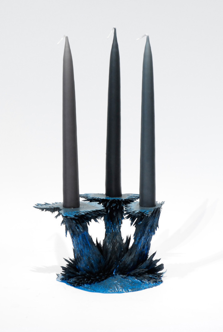 Gravity Candle Holder: modern  door Jólan van der Wiel, Modern