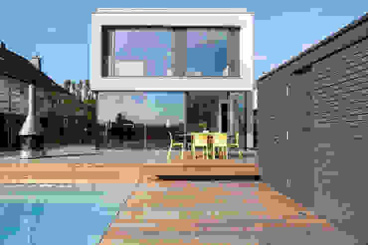 STEINMETZDEMEYER architectes urbanistes Hiên, sân thượng phong cách hiện đại
