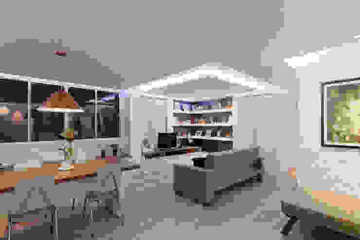 Living room by Raphael Civille Arquitetura, Minimalist