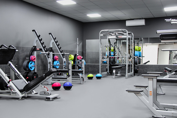 The Northwood Club - A boutique style gym od Bhavin Taylor Design Nowoczesny