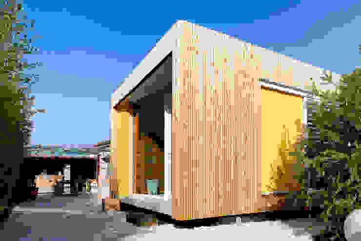 Une boite contemporaine et raffinée casa architectes Salon moderne