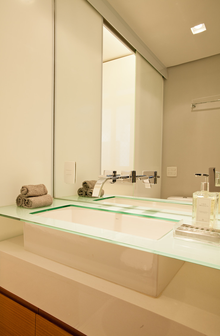 Apartamento Alameda Jaú Banheiros modernos por studio scatena arquitetura Moderno
