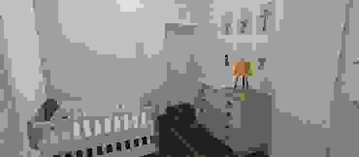 by Carolina Mendonça Projetos de Arquitetura e Interiores LTDA,