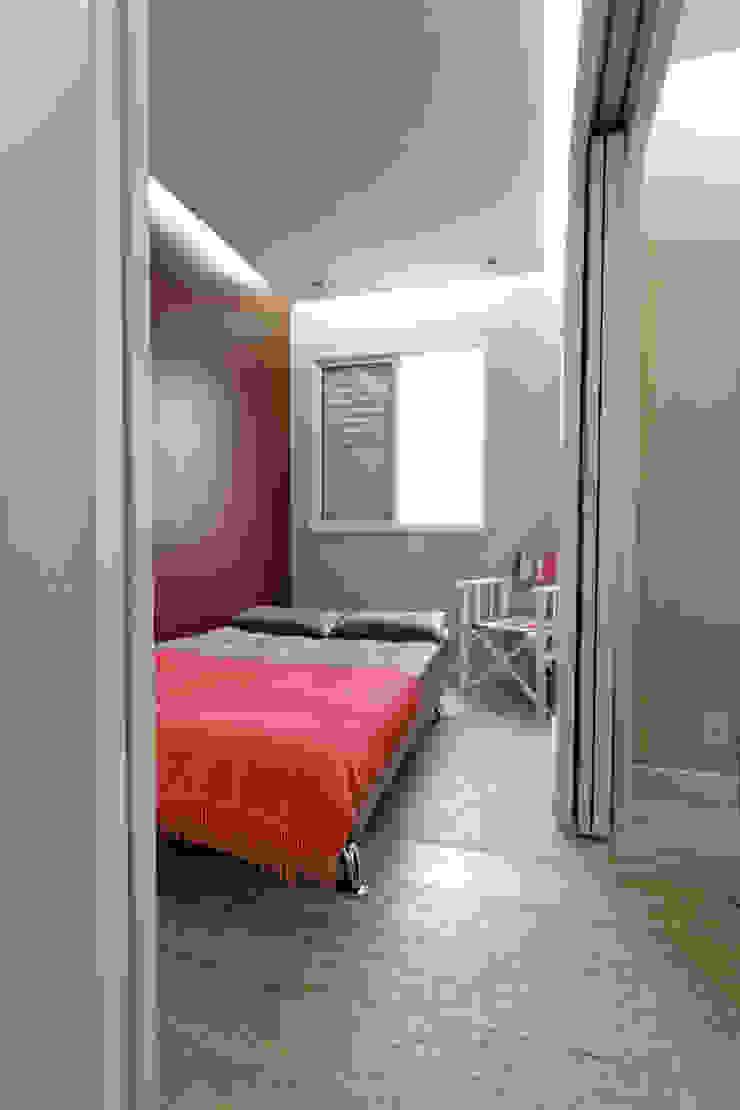 Apartamento Parque Butantã – 50m² Quartos minimalistas por Raphael Civille Arquitetura Minimalista